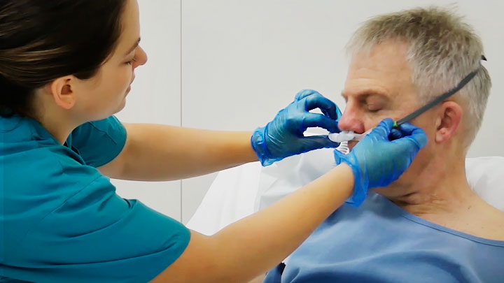 Como colocar a cânula nasal Optiflow +