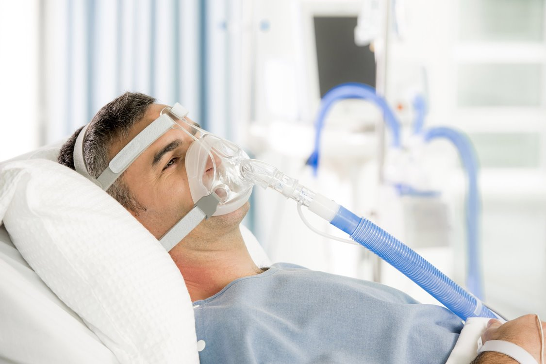 Adult patient using non invasive RT-Series high performance breathing circuits